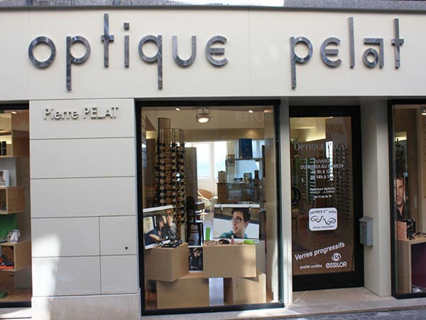 vitrine opticien optique pelat saint flour